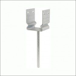 pole anchor with recess